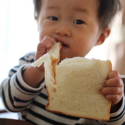 よう食パン